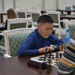 Гала-матч между юношеской сборной области и командой чиновников