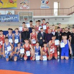 Первенство Южно-Сахалинска по греко-римской борьбе среди юношей до 16 лет
