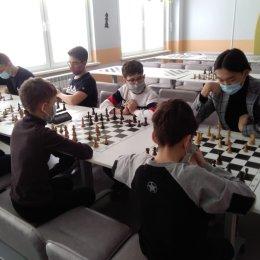Шахматное двоеборье (шведские + парные шахматы)