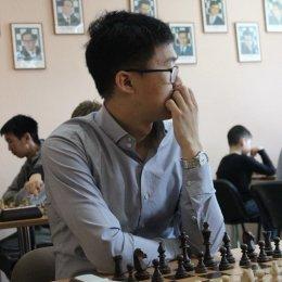 Две победы в один день: Константин Сек выиграл блиц-турнир и открытый чемпионат Южно-Сахалинска по быстрым шахматам