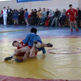 Участниками областного турнира по самбо стали борцы из четырех городов юга острова