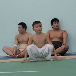 Юные островные спортсмены провели тренировку по сумо