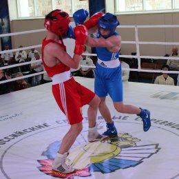 Островные боксеры завоевали две золотые медали первенства ДФО