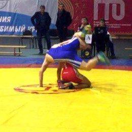 Сахалинские спортсменки завоевали три медали первенства ДФО по вольной борьбе