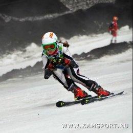 Островные горнолыжники завоевали три золотые медали первенства ДФО