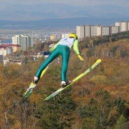 «Летающие лыжники» закрыли летний сезон