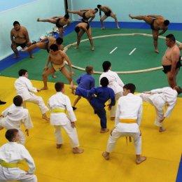 Островные спортсмены узнали, чем «Оси» отличается от «Цури»