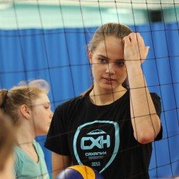 Волейболистки «Сахалина» провели мастер-класс для участников первенства области