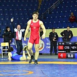 Андрей Тефанов завоевал бронзовую медаль первенства России по вольной борьбе