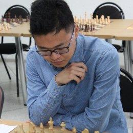 Константин Сек выиграл праздничный блиц-турнир по шахматам