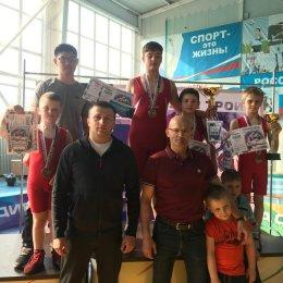 Сахалинские борцы вольного стиля завоевали пять медалей на турнире в Благовещенске