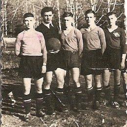 Сегодня легендарному островному спортсмену Николаю Павловичу Голопузову исполняется 82 года