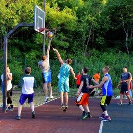 В Углегорске началось «Оранжевое лето»