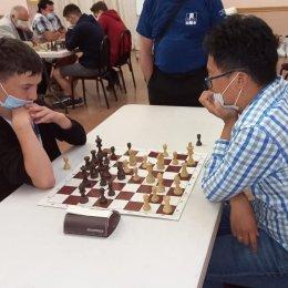 В Холмске стартовал первый оффлайн-турнир по быстрым шахматам за весенне-летний период