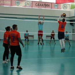 Участники волейбольного турнира Спартакиады минспорта определили финалистов