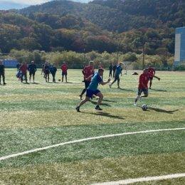 Островные чиновники сыграли в мини-футбол