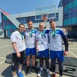 Команда «СШ по волейболу» выиграла стритбольный турнир