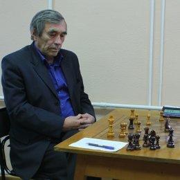 В чемпионате области по шахматам лидируют Константин Сек и Павел Вагзыбин