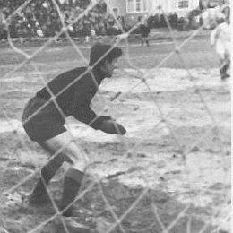 Сегодня исполняется 78 лет живой легенде сахалинского спорта Николаю Павловичу Голопузову.