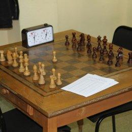 Юрий Трифонов продолжает возглавлять турнирную таблицу