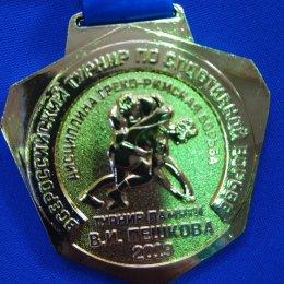 Островные борцы греко-римского стиля завоевали четыре медали всероссийских соревнований