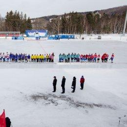 Сборная Корсакова выиграла чемпионат области по хоккею с мячом