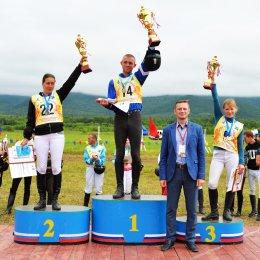Николай Игнатов из Анивы стал победителем XIV конноспортивных соревнований «Золотая подкова Сахалина»