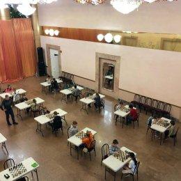 В Холмске начался детский турнир по быстрым шахматам
