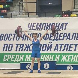 Островные тяжелоатлеты завоевали пять золотых медалей чемпионата ДФО